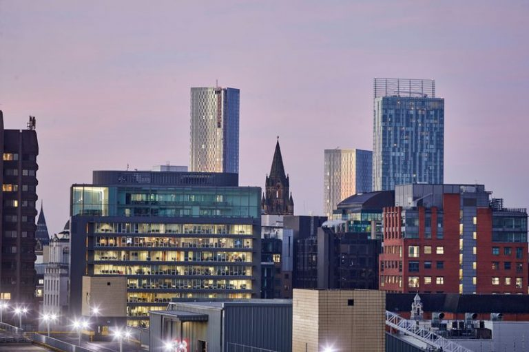 EE launches 5G in Manchester