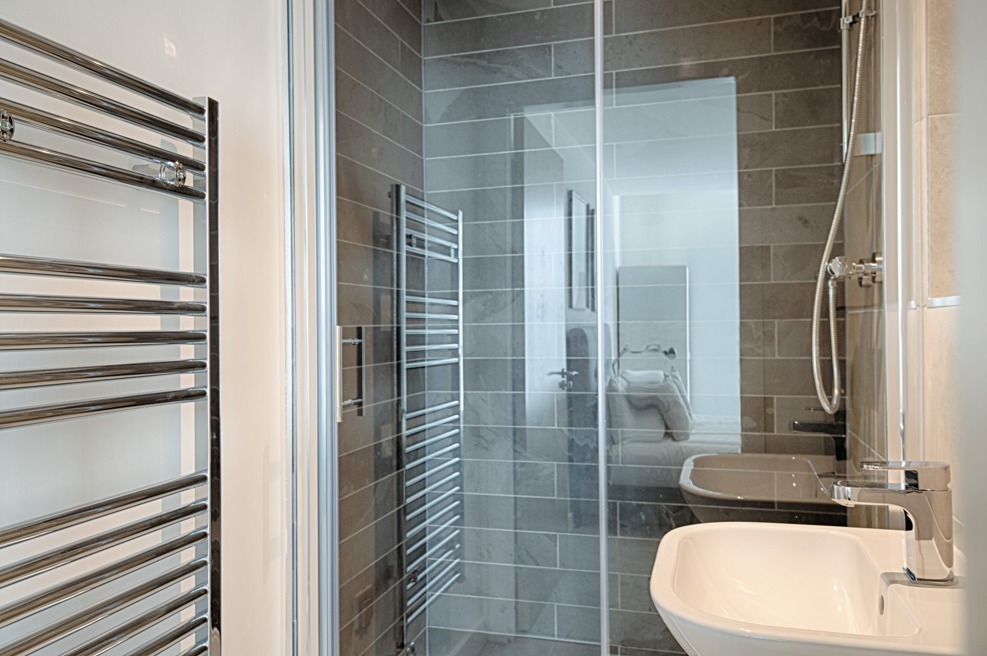 CERT-Projects-PopWorks-Showerroom