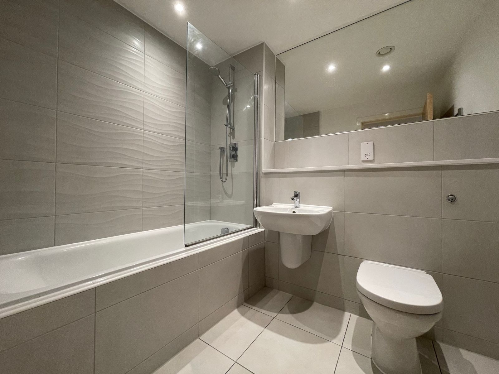 CERT-Projects-Halo-Bathroom